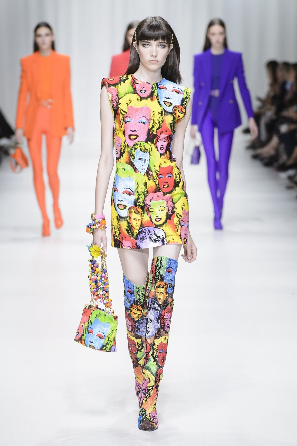 hbz nyfw ss2018 trends art prints 03 versace rs18 6232 1509388475
